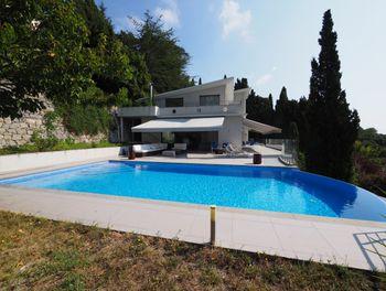 villa à La Turbie (06)