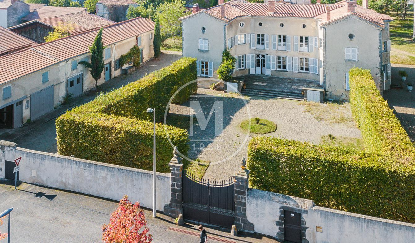 Maison avec terrasse Joze