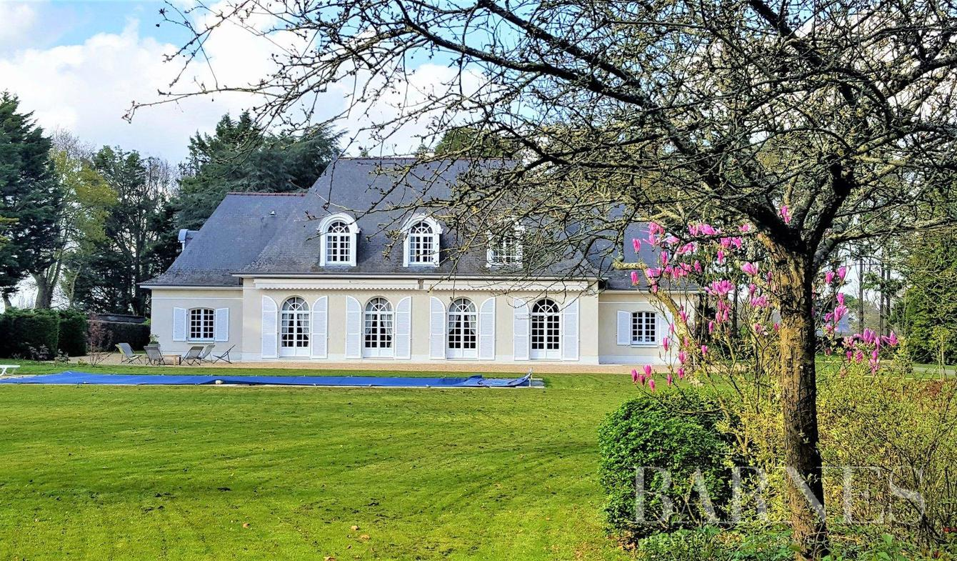 House with pool Rennes