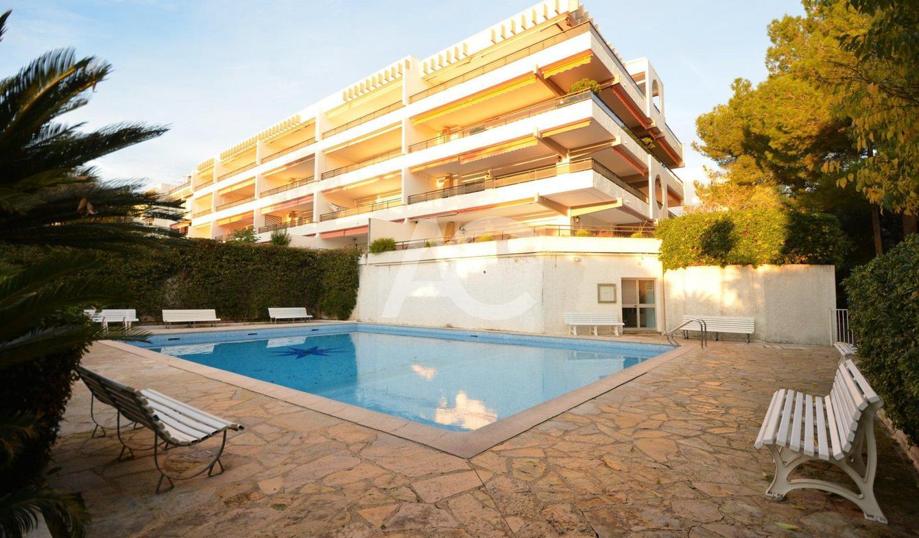 Appartement avec piscine Juan les pins
