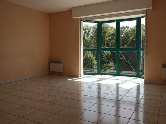 Location appartement 3 pièces 91 m2