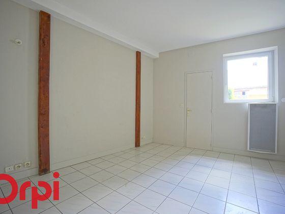 Location studio 22,48 m2
