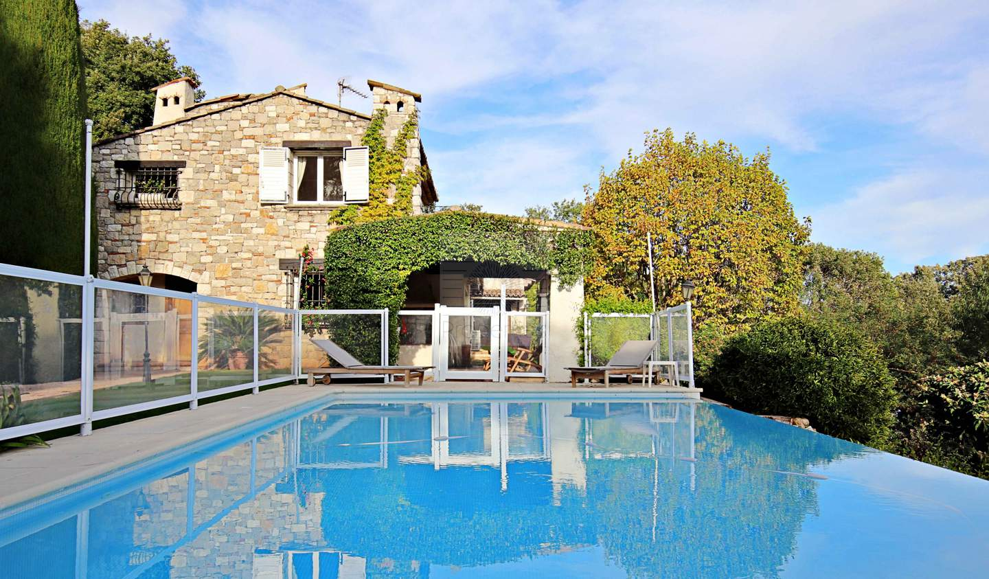 House with pool and terrace Biot