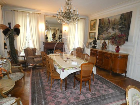 Vente maison 10 pièces 352 m2
