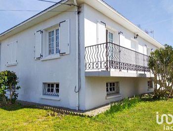 maison à Coëx (85)