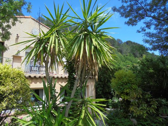 Vente villa 9 pièces 275 m2