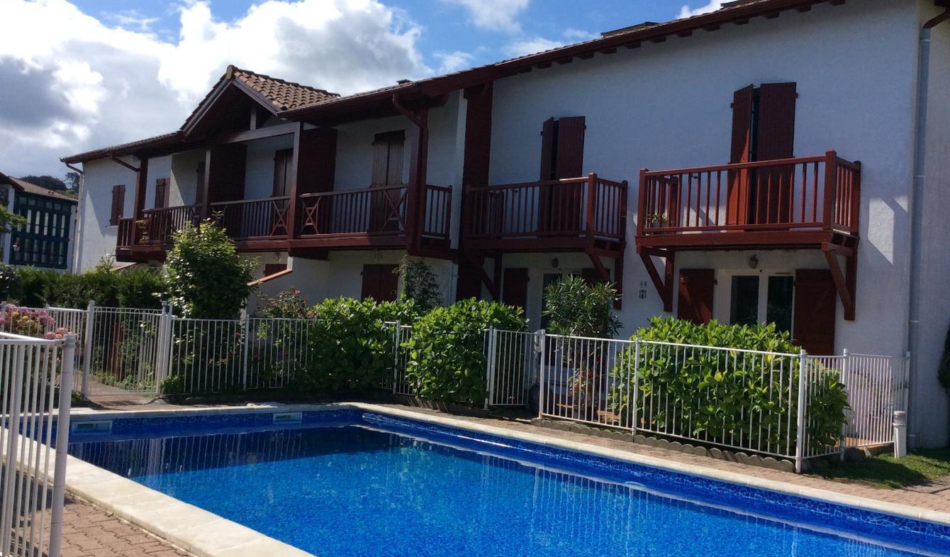 Appartement avec terrasse et piscine Urrugne