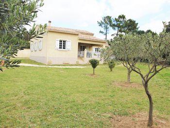 maison à Uchaux (84)