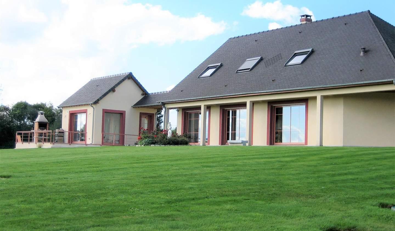 Villa avec jardin et terrasse Saint-Evroult-Notre-Dame-du-Bois