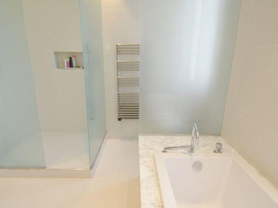 Location appartement meublé 3 pièces 141 m2