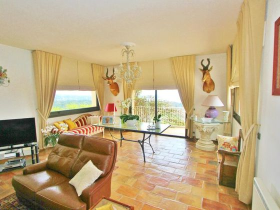 Vente propriété 9 pièces 352 m2