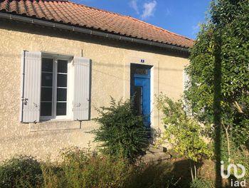 maison à Saint-Aigulin (17)