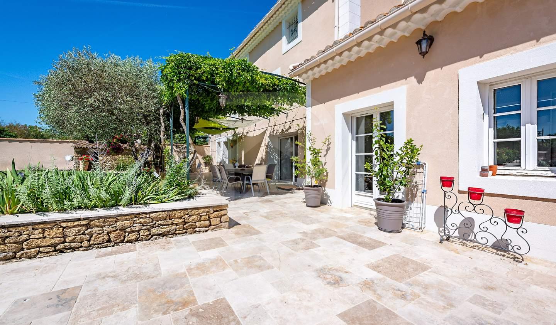 Maison avec piscine et terrasse Althen-des-Paluds