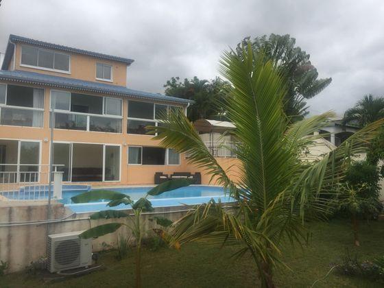 Vente maison 10 pièces 323 m2