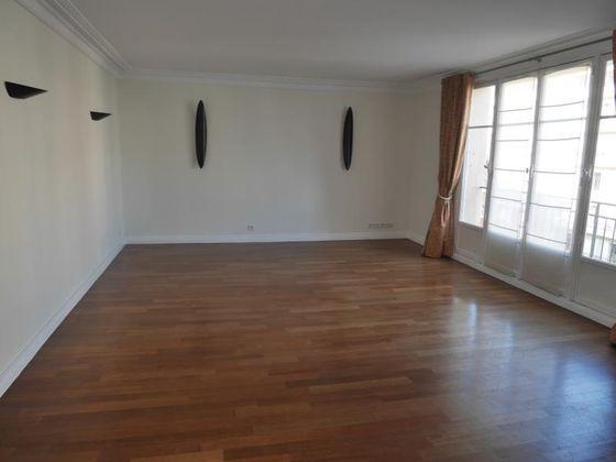 Location appartement 4 pièces 125,79 m2