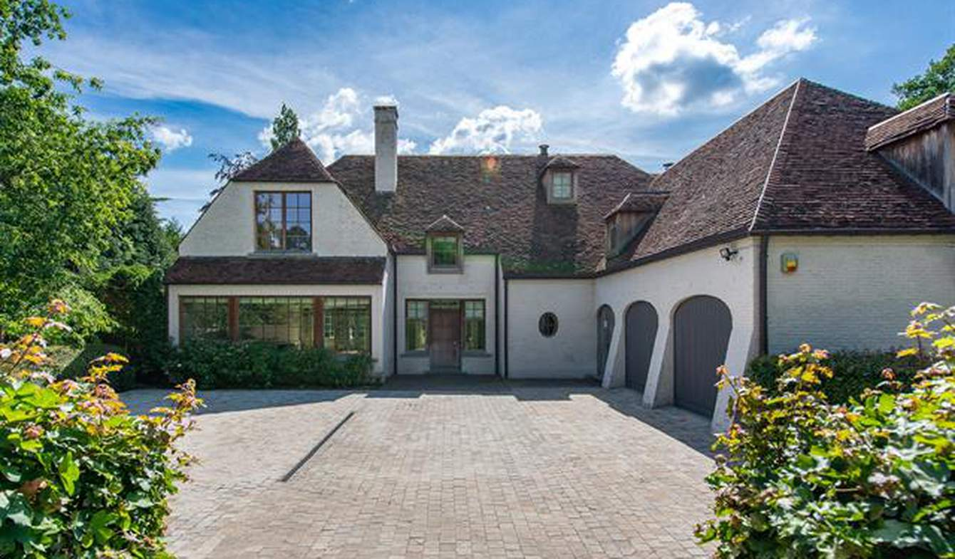 Villa with pool and terrace Sint-Genesius-Rode