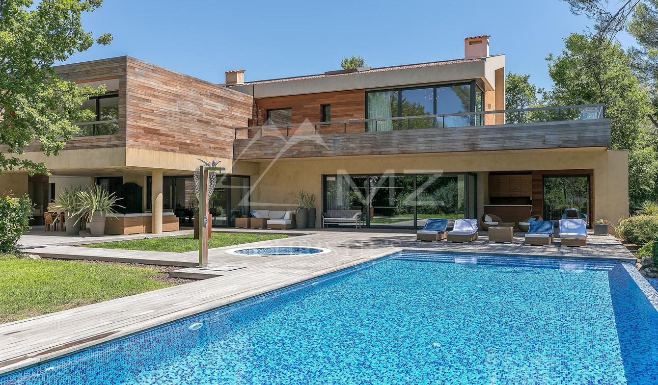 Maison avec piscine Tourrettes