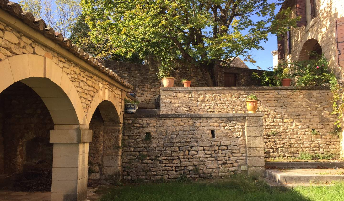House with pool and garden Saint-pantaleon