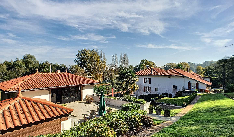 Maison avec terrasse Urt