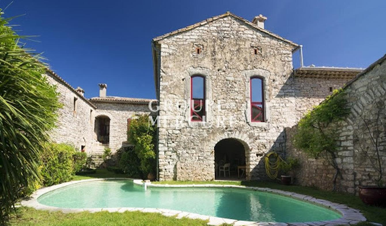 House with pool and terrace Anduze