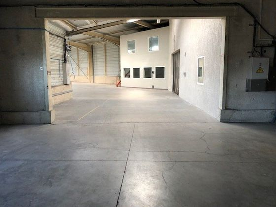 Location divers 2 600 m2