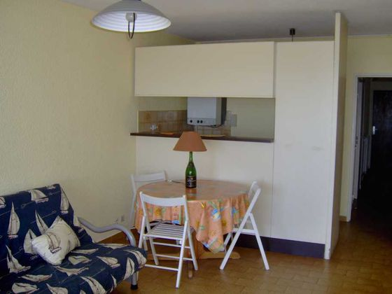 Location studio meublé 39 m2