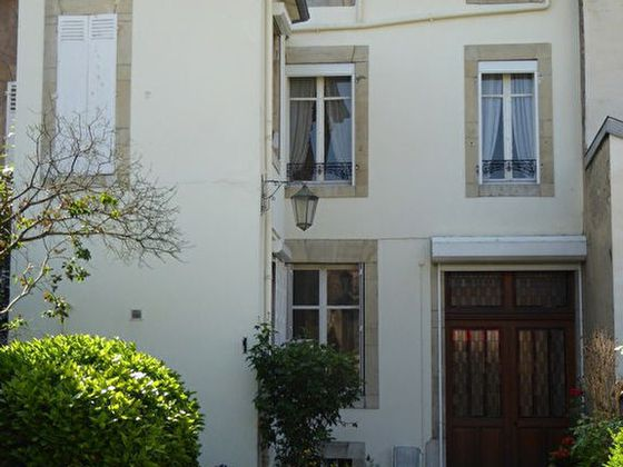 Vente maison 8 pièces 249 m2