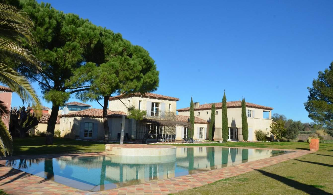 Vignoble avec piscine et dépendances Montpellier