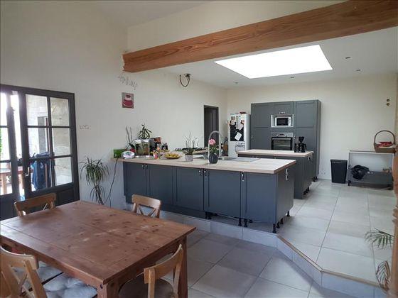 Vente maison 15 pièces 164 m2