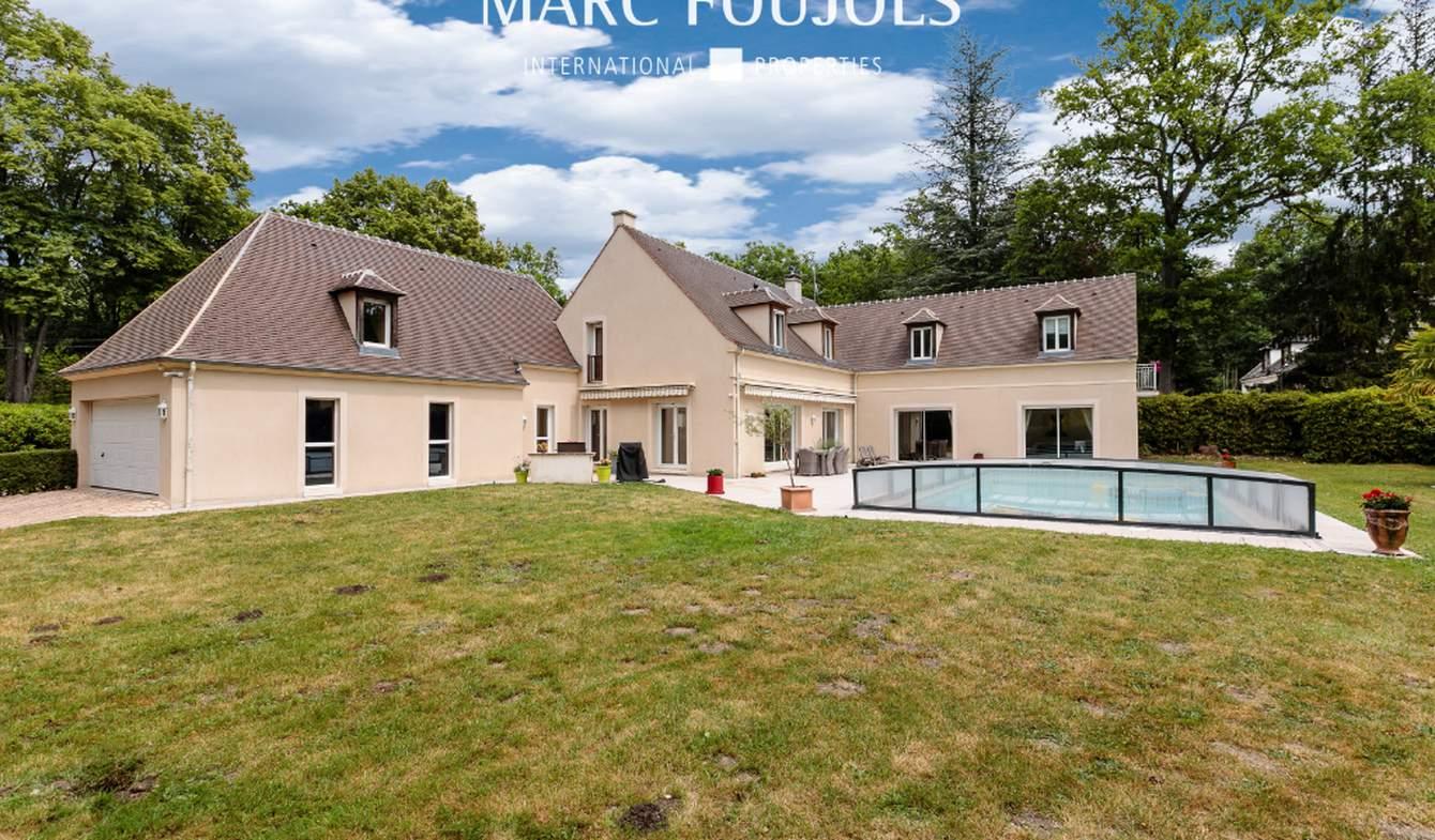 Maison avec piscine et terrasse Lamorlaye