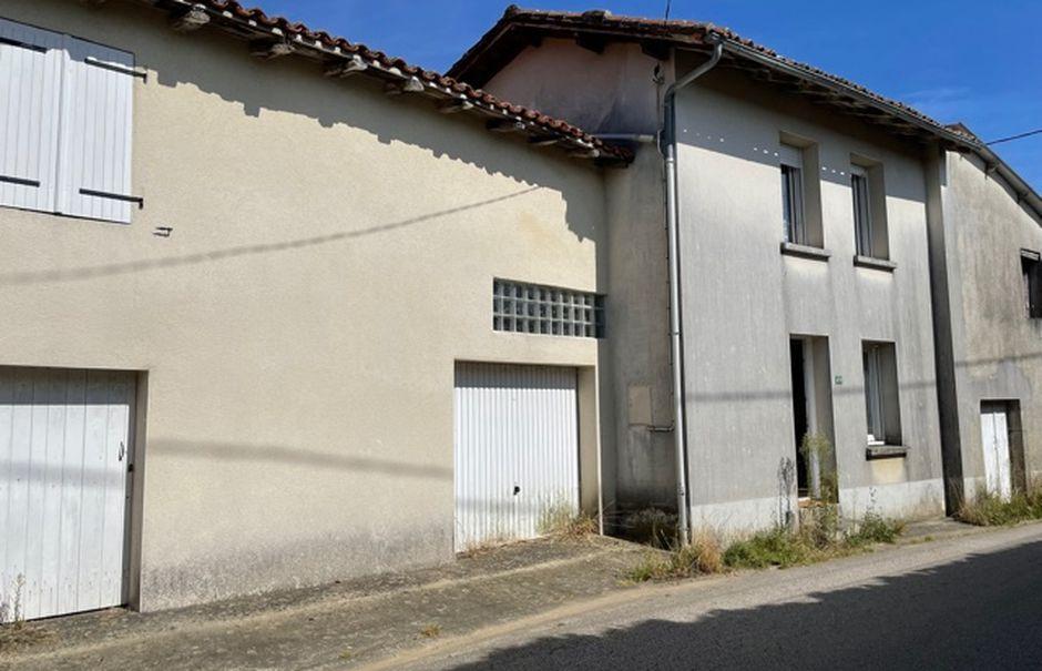 Vente maison 3 pièces 75 m² à Saint-Junien (87200), 54 500 €