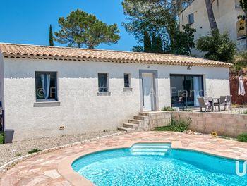 maison à Roquebrune-sur-Argens (83)