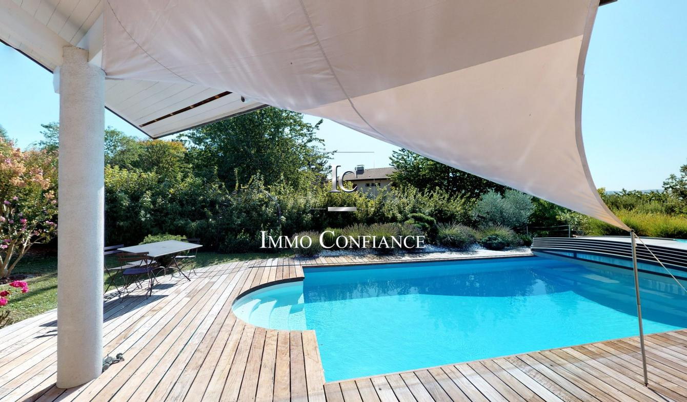 Villa avec piscine et terrasse Viry