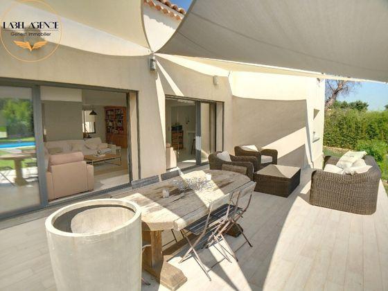 Vente villa 6 pièces 285 m2