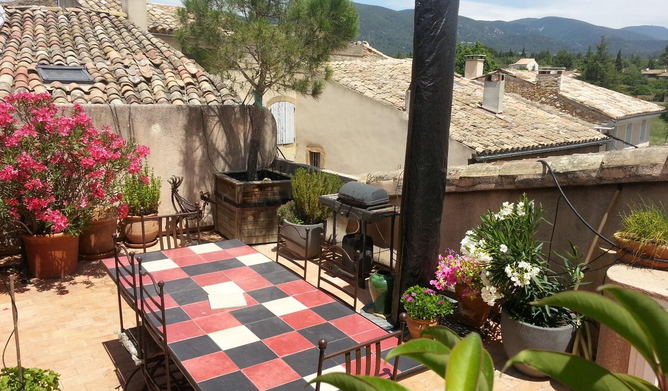 House with terrace Lourmarin