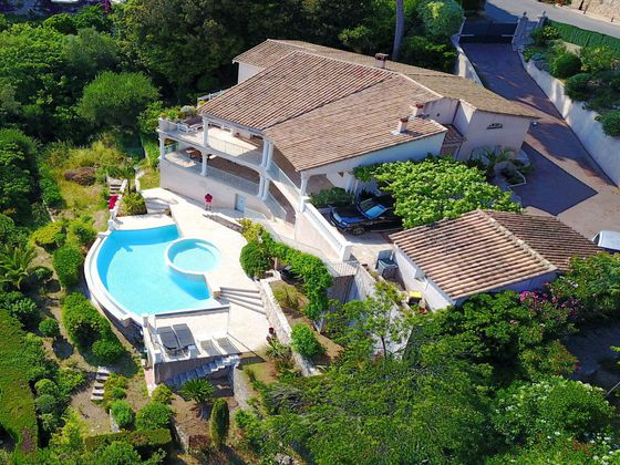 Vente villa 6 pièces 225 m2