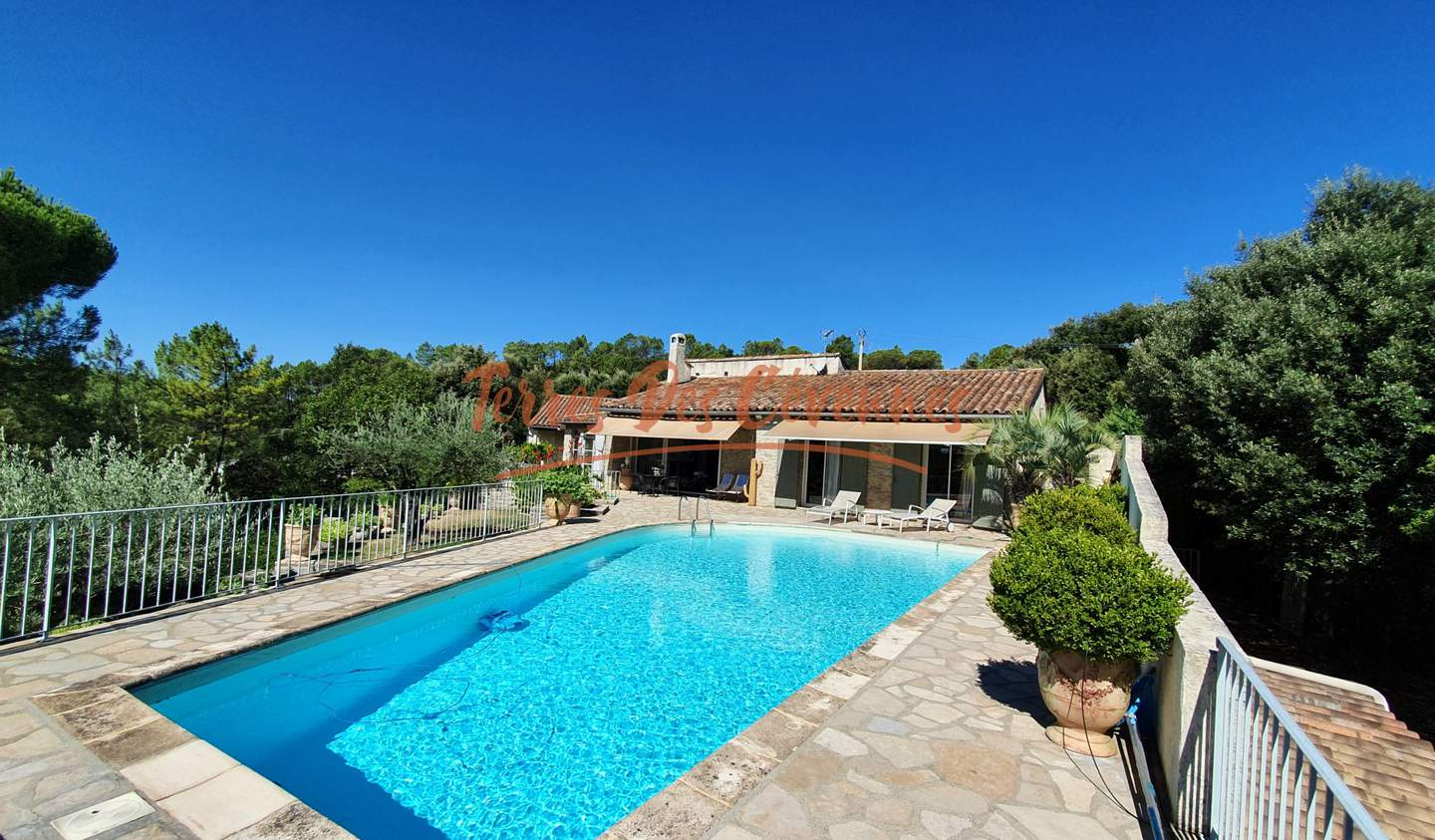 Villa with pool and terrace Anduze