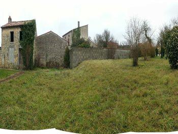 maison à Les Eglises-d'Argenteuil (17)