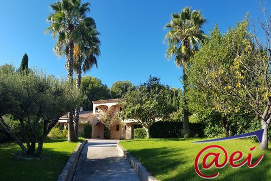 Villa de Luxe à Vendre : Achat et Vente Villa de Prestige