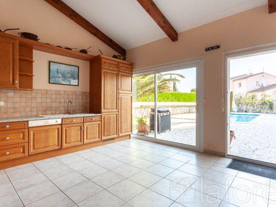 Vente maison 9 pièces 242,39 m2