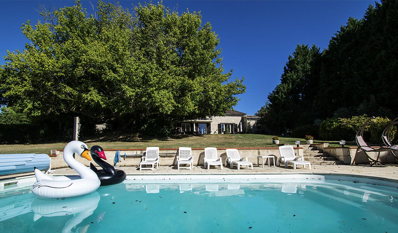 House with pool and terrace Savignac-de-Duras