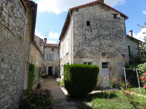 Vente maison 8 pièces 275 m2