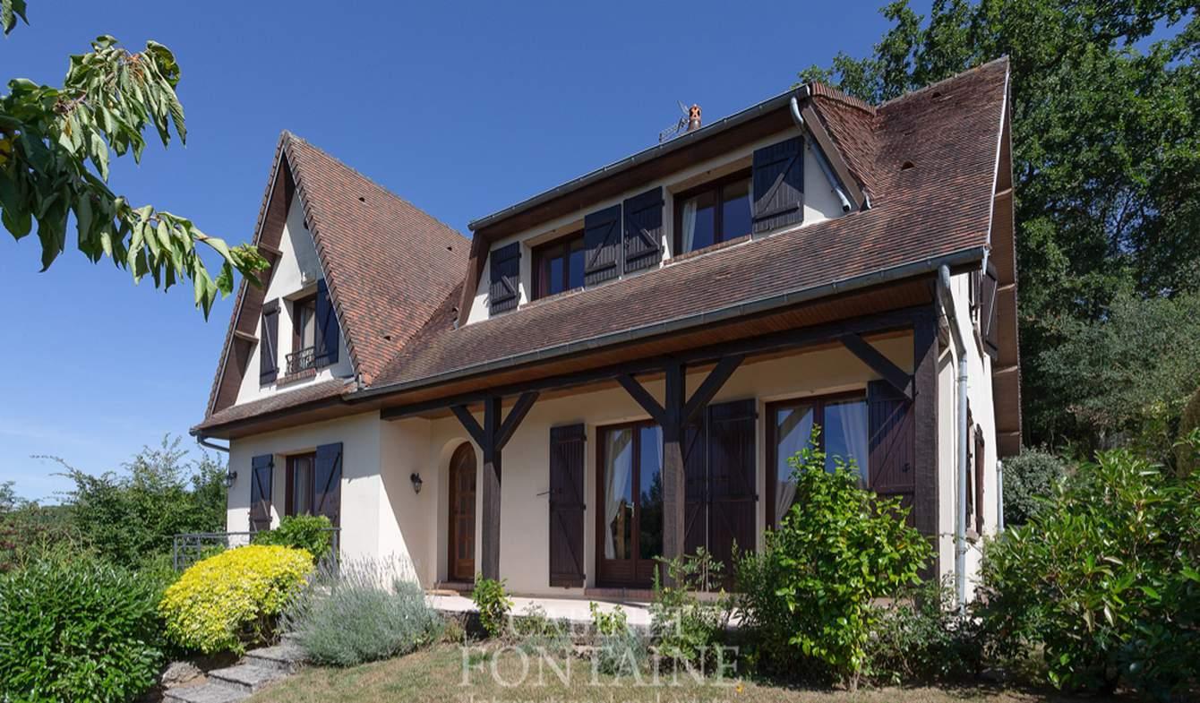 Maison avec terrasse Warluis