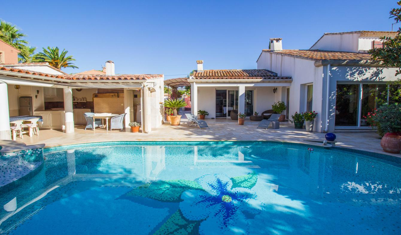 Villa with pool Sanary-sur-Mer