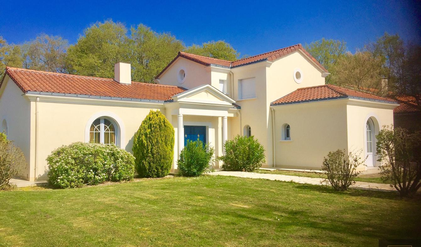 Maison avec piscine et terrasse Basse-Goulaine
