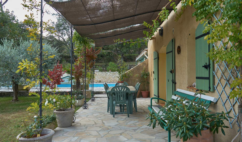 Maison avec piscine et terrasse Lauris
