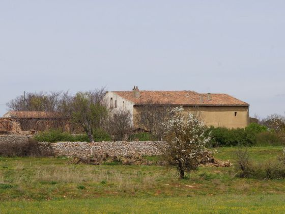Vente maison 25 pièces 850 m2