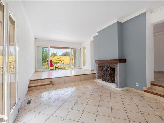 Vente maison 6 pièces 222 m2