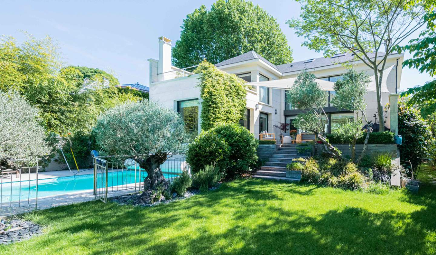 House with pool and terrace Le Perreux-sur-Marne