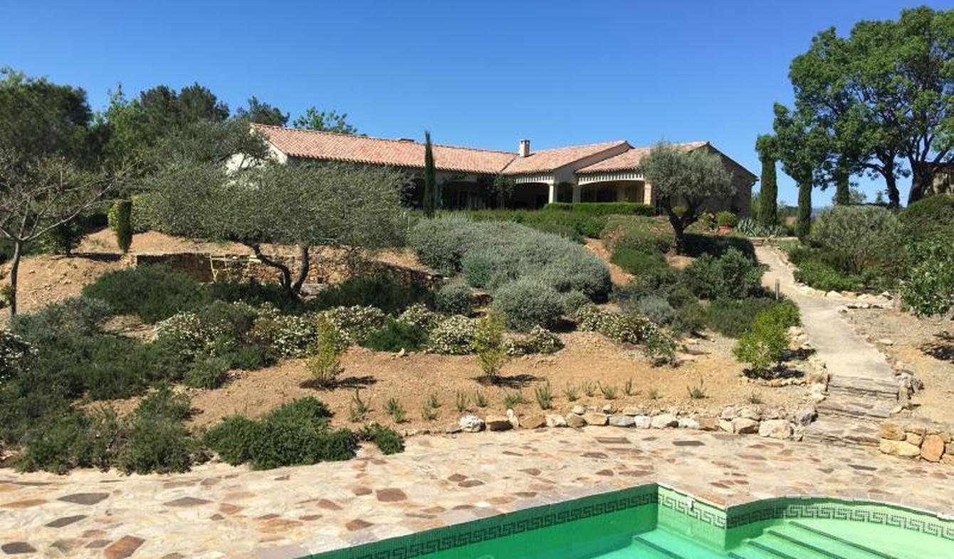 Villa avec piscine et terrasse Pierrerue